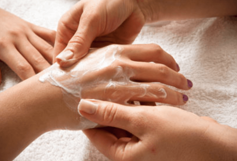 Massage des mains Paris 9